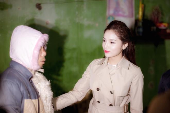 Hoa hau Ky Duyen cung Style TV tu thien cuoi nam hinh anh 2