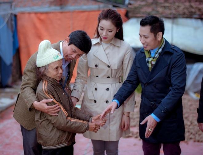 Hoa hau Ky Duyen cung Style TV tu thien cuoi nam hinh anh