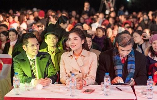 Hoa hau Ky Duyen cung Style TV tu thien cuoi nam hinh anh 9