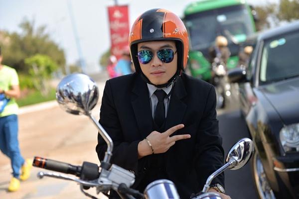 Tran Thanh dich than lai xe sang don fan di du tiec hinh anh 6