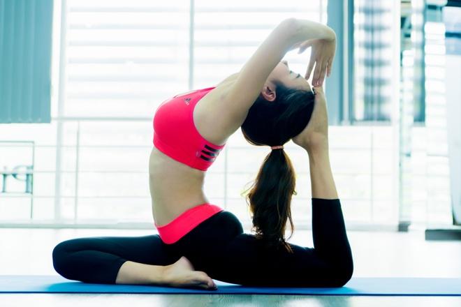 Nhung dong tac yoga giup giam can hieu qua hinh anh