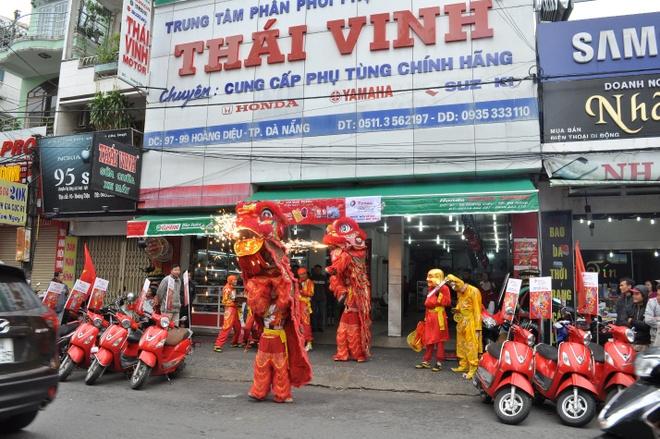 Total khuay dong Tet voi doan 'Lan su rong' may man hinh anh 4