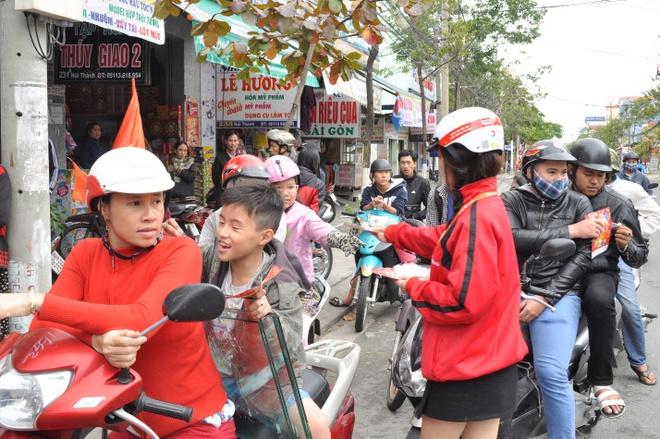 Total khuay dong Tet voi doan 'Lan su rong' may man hinh anh 5