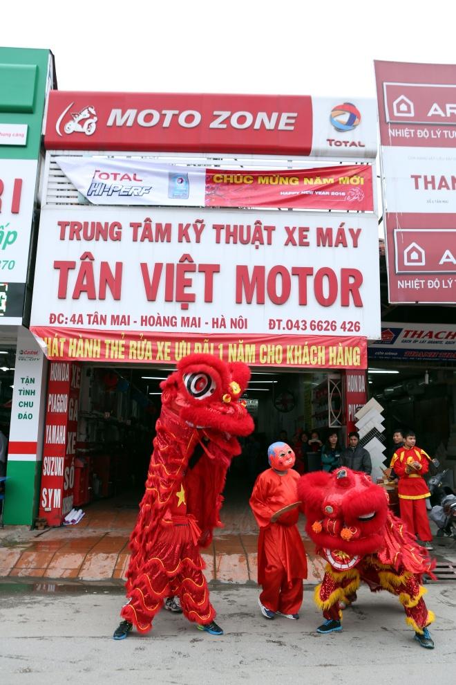 Total khuay dong Tet voi doan 'Lan su rong' may man hinh anh 8