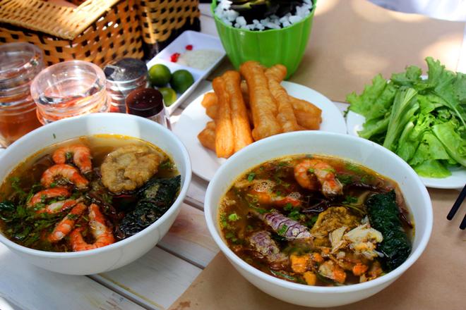 Thuong thuc banh da chuan vi dat cang tai Ha Noi hinh anh