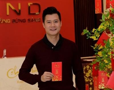 Quang Dung nhan loc may man dau nam hinh anh