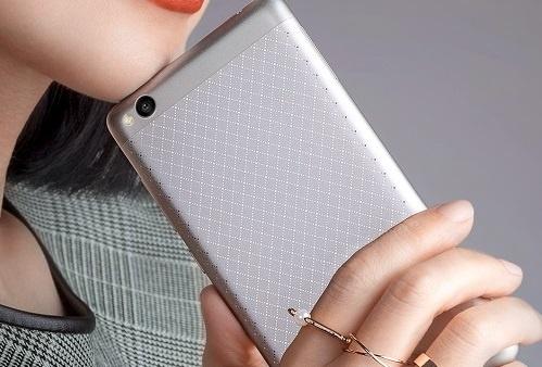 Bo tu smartphone Xiaomi gia hon 3 trieu dong hut khach hinh anh