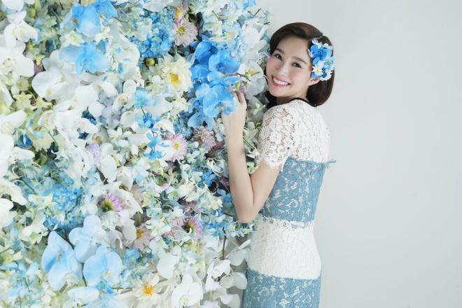 Dang Thu Thao dep mong manh ben hoa lan xanh hinh anh 6