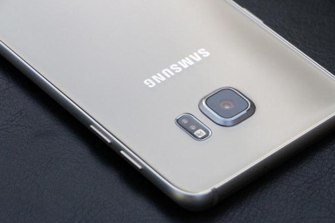 Galaxy S7 ra mat, S6 tien nhiem ha gia den 6 trieu dong hinh anh 1