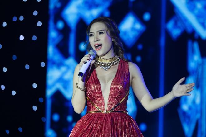My Tam hoa nang tieu thu de thuong tren san khau hinh anh 6