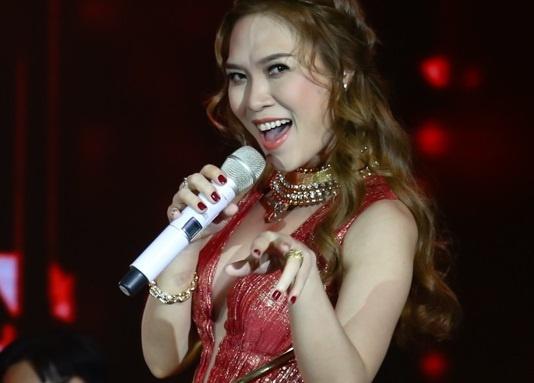 My Tam hoa nang tieu thu de thuong tren san khau hinh anh
