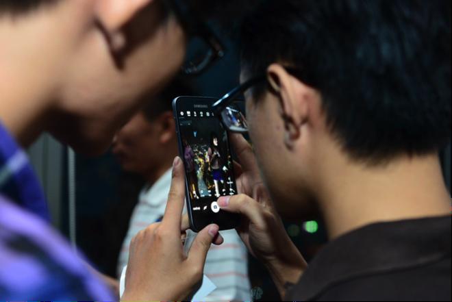 Nguoi dung an tuong voi Galaxy S7 va Galaxy S7 edge hinh anh 3