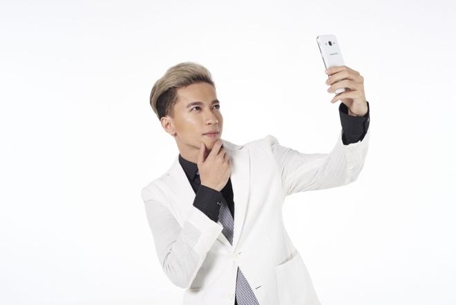 Bi quyet selfie 'dep nhu soai ca' cua 365 hinh anh 3