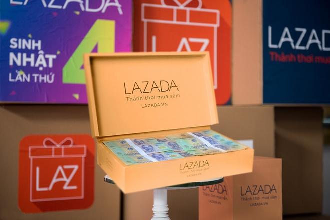 Lazada tang khach hang 100 trieu dong nhan ky niem 4 nam hinh anh