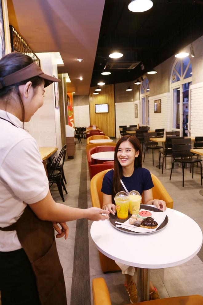 Hoang Yen Chibi kham pha thien duong do an nhanh tai Ha Noi hinh anh 8