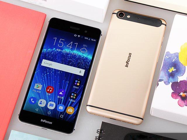 InFocus M560: Smartphone My gia re, thiet ke dep hinh anh 1