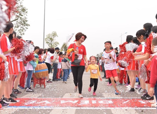 Edurun: Hon 10.000 nguoi gop quy xay truong tai Quang Tri hinh anh 7