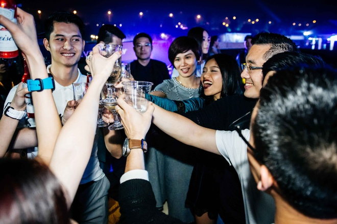 Top 10 DJ the gioi Steve Aoki don tim khan gia Viet hinh anh 14