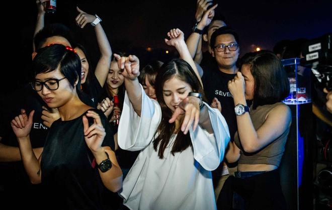 Top 10 DJ the gioi Steve Aoki don tim khan gia Viet hinh anh 3