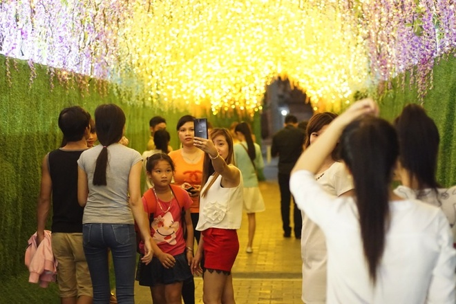 Thien duong hoa tu dang dep tai AEON Mall Binh Duong hinh anh 2