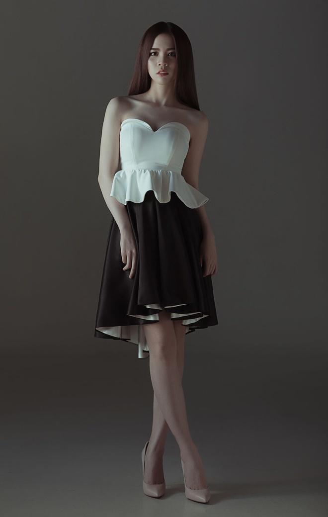 LuxyNguyen ra mat BST Classic Beauty mang hoi tho the ky 19 hinh anh 6