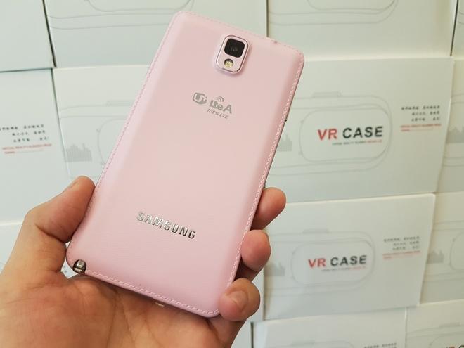 Loat smartphone Samsung giam gia gan 10 trieu dong hinh anh 2