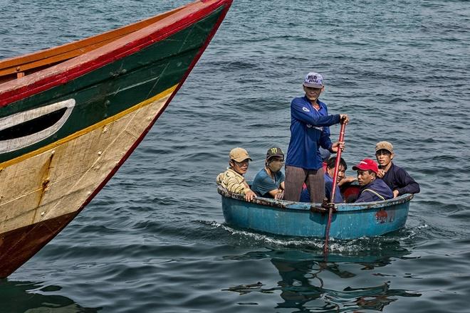 Huyen dao Ly Son: Cap doi giay phep lai xe giua bien khoi hinh anh