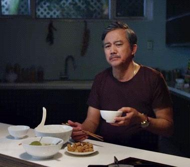 Phan Gia Nhat Linh lay nuoc mat khan gia bang phim ngan moi hinh anh