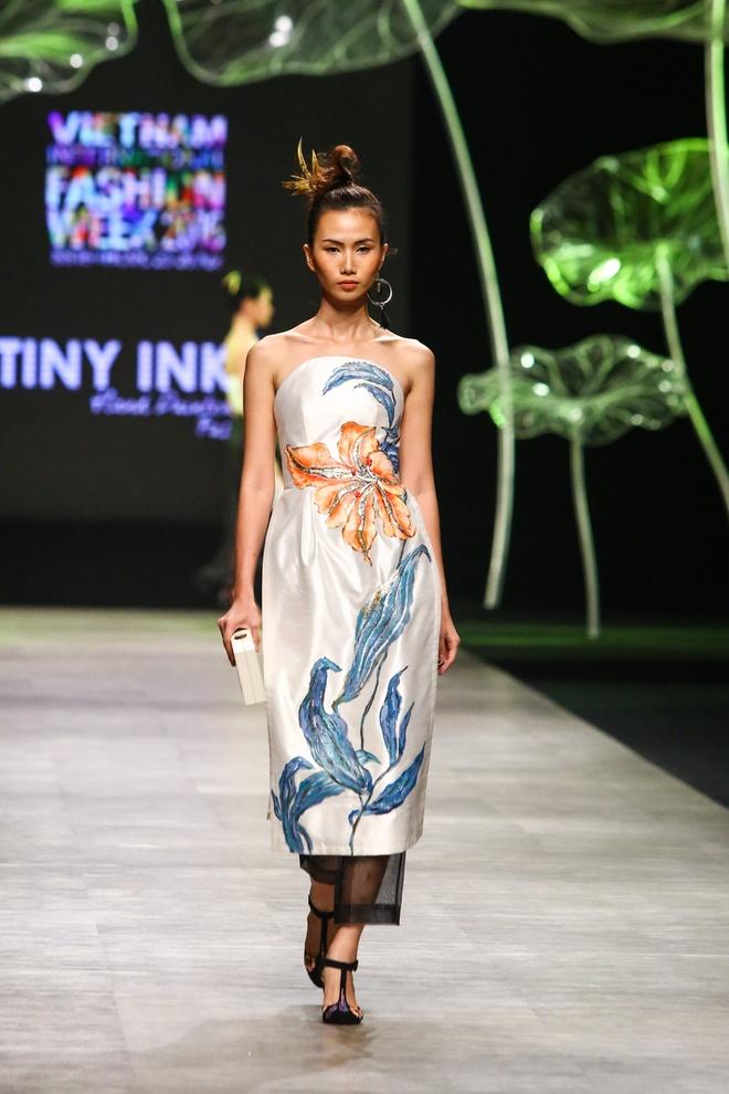 Sao Viet long lay voi trang phuc Tiny Ink by Hoang Quyen hinh anh 8