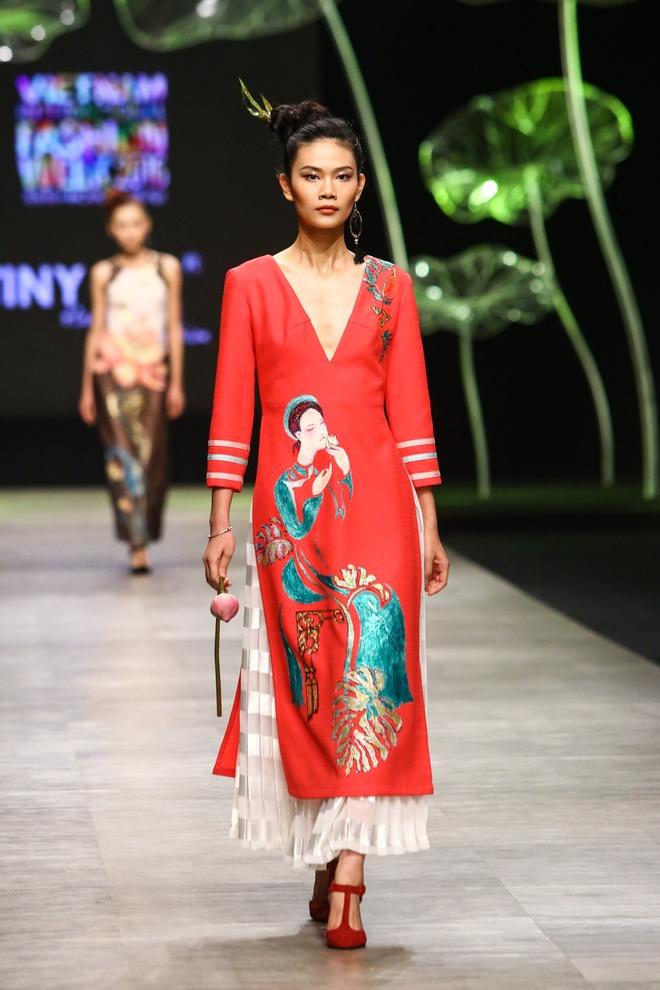 Sao Viet long lay voi trang phuc Tiny Ink by Hoang Quyen hinh anh 9