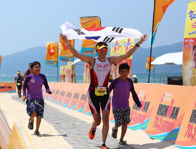 Ironman tro lai Viet Nam voi 3 thu thach khac nghiet hinh anh