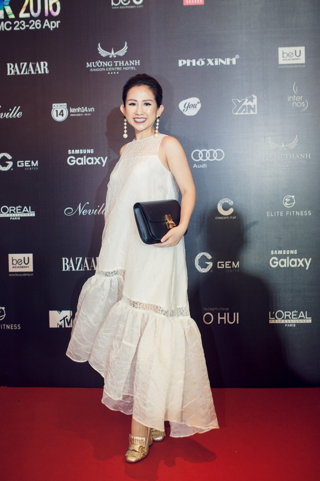 4 bo canh sanh dieu cua fashionista Tram Nguyen o VIFW hinh anh 6