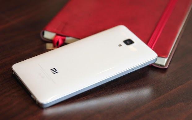 Xiaomi Mi 4 RAM 3 GB gia 3 trieu dong hut nguoi dung hinh anh