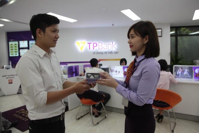 TPBank tri an khach hang mung 8 nam thanh lap hinh anh 4