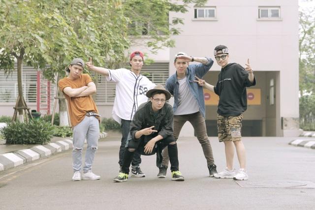 Ngo Kien Huy 'nghi thong mo loi' trong MV moi hinh anh 2