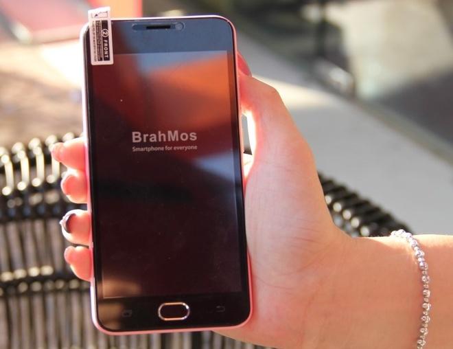 Smartphone 4G An Do pin 3.000 mAh co mat tai Viet Nam hinh anh