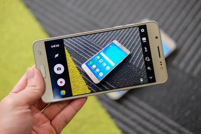 Mo hop Galaxy J5 va J7 phien ban 2016 hinh anh 13