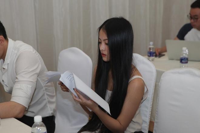 A hau Huyen My tham gia casting phim 'Loi nguyen gia toc' hinh anh 6