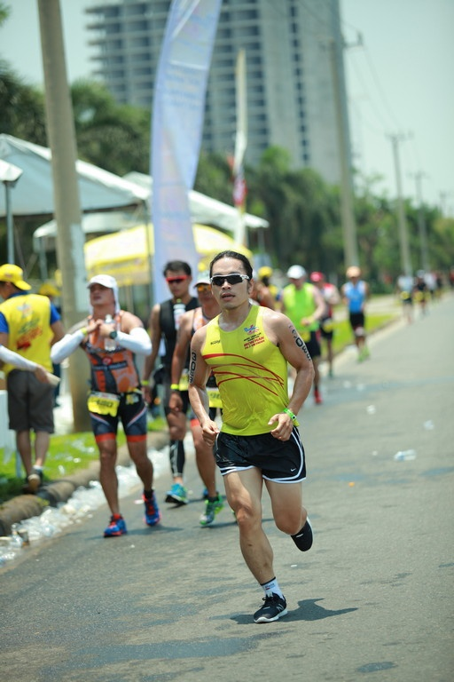 Hanh trinh can dich cua doi Number 1 tai Ironman 70.3 hinh anh 1