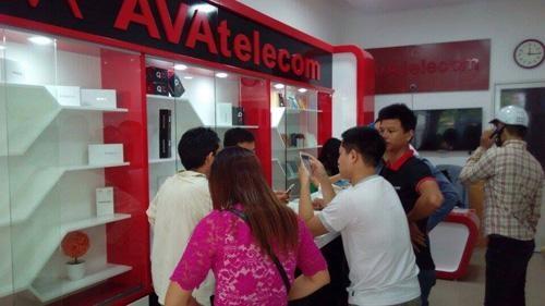 Avatelecom ra mat smartphone Titan Q8s hinh anh 1