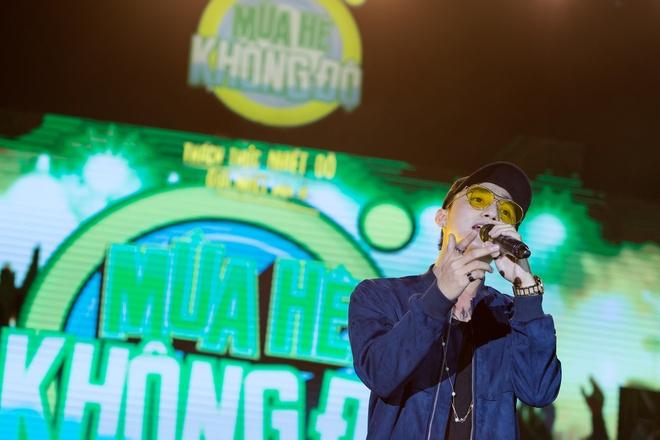 Son Tung M-TP mang 'Giai nhiet mua he' den Nha Trang hinh anh 1