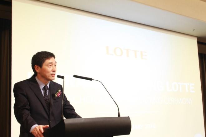 Lotte trao 76 suat hoc bong cho sinh vien Ha Noi hinh anh 2