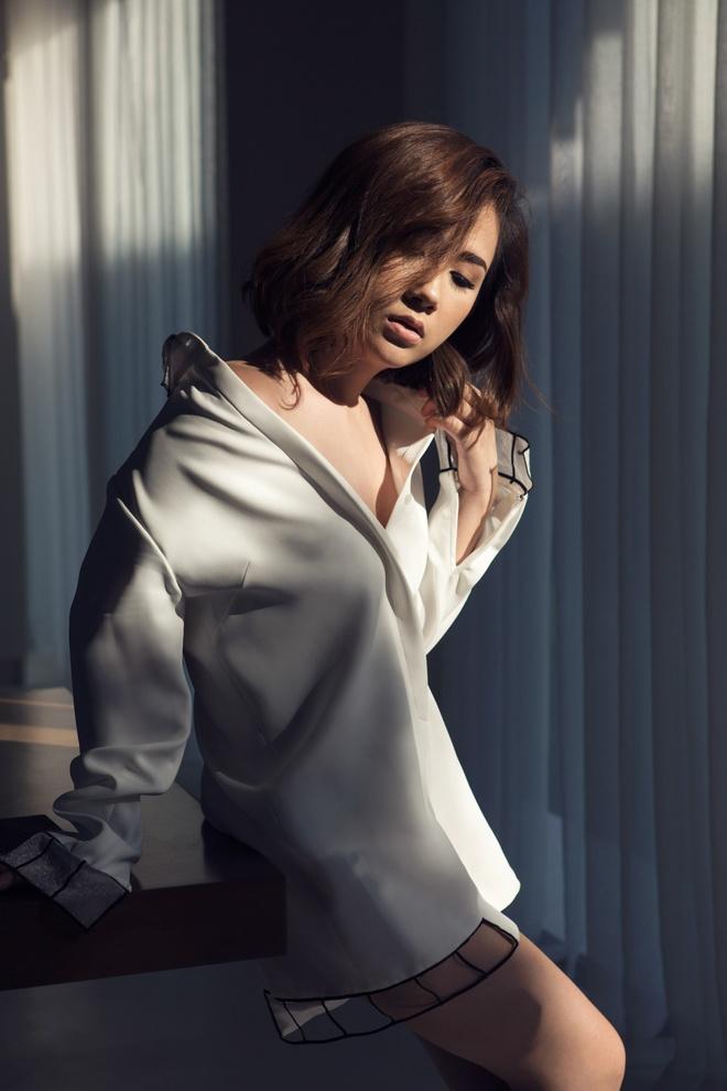 Fashionista Tram Nguyen goi y cach ung dung xu huong don sac hinh anh 2