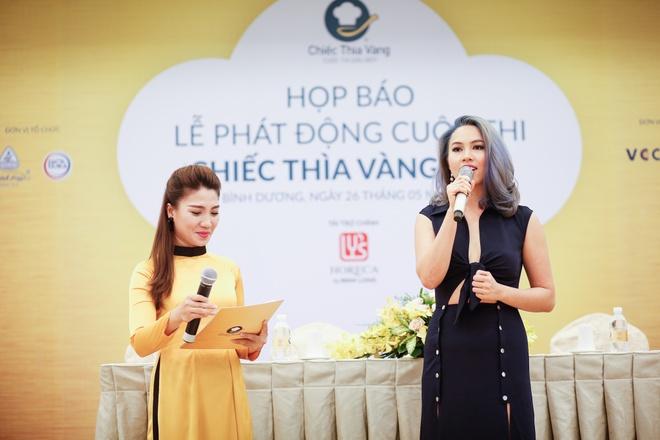 A hau Hoang My lam giam khao cuoc thi Chiec thia vang 2016 hinh anh