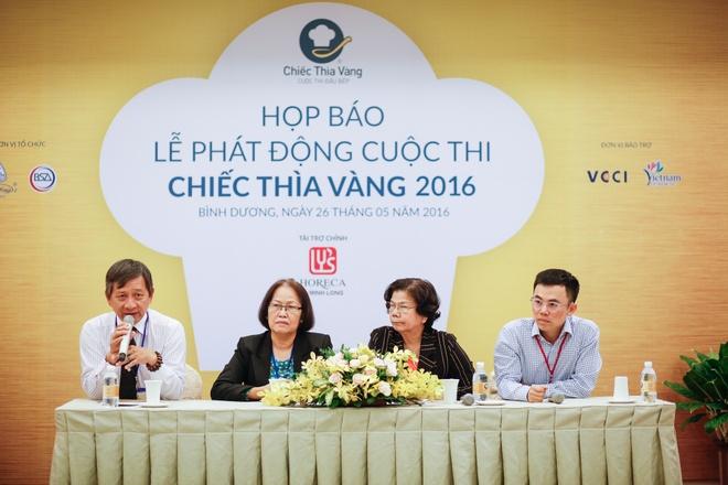 A hau Hoang My: 'Toi vao bep nau an moi ngay' hinh anh 2