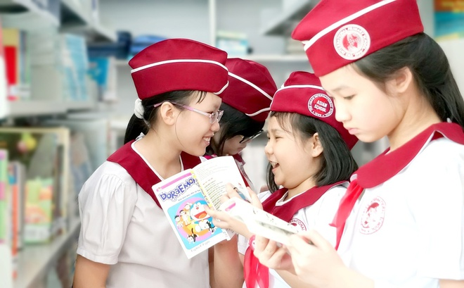 Khoi dong chuong trinh tang sach 'SIU Bookies 2016' hinh anh 3