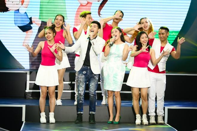 Noo Phuoc Thinh lan dau song ca cung Van Mai Huong hinh anh 1