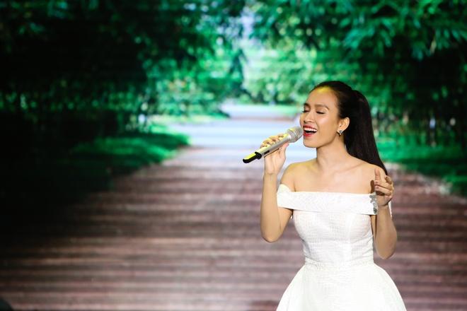 Noo Phuoc Thinh lan dau song ca cung Van Mai Huong hinh anh 8
