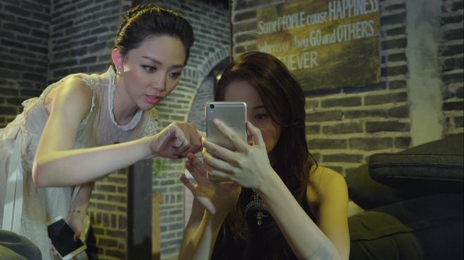 Toc Tien bat mi bi quyet chup anh selfie dep tu nhien hinh anh 4