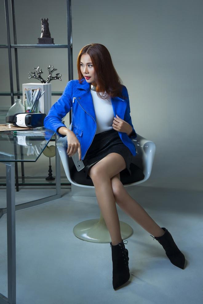 Kha nang bien hoa khong gioi han cua sieu mau Thanh Hang hinh anh 5